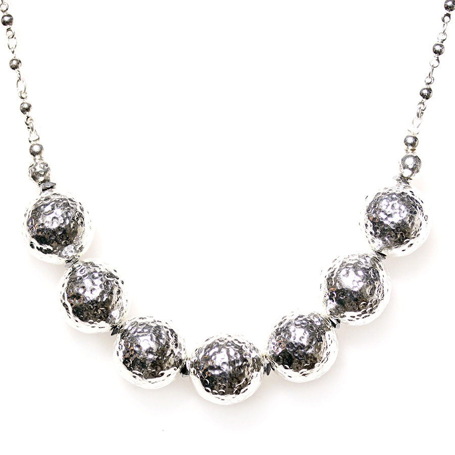 collier boules metal